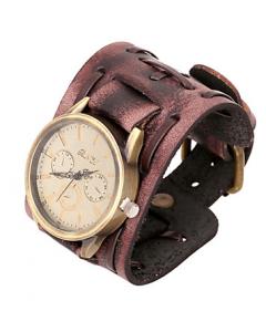 Klocka med brunt läderarmband
