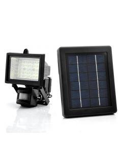 Strålklastare med rörelsedetektor och solcellspanel